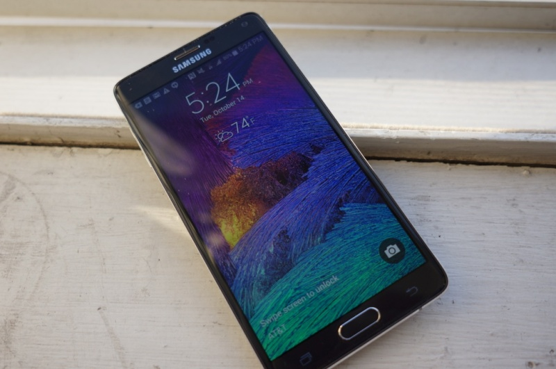 Samsung's Galaxy Note 4: A phablet that can teach Apple a ...