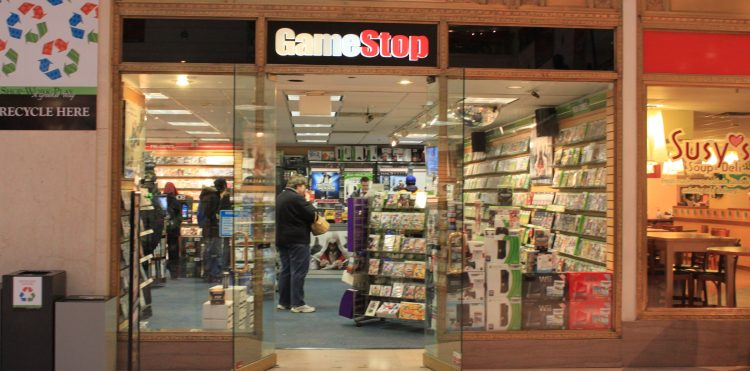 GameStop looks to alternative payments to boost holiday sales.