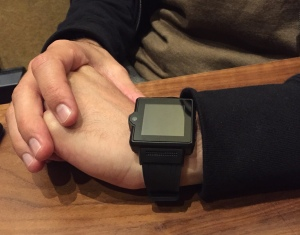 Ari's mysterious $100 Chinese smartwatch -- with camera!