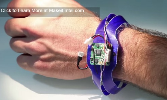 Nixie wraps around your wrist, and flies off to take your selfies.