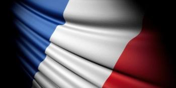 Parisians launch PorteOuverte hashtag for those stranded in Paris
