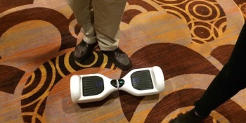 This smart skateboard will change the way you navigate big conventions (videos)