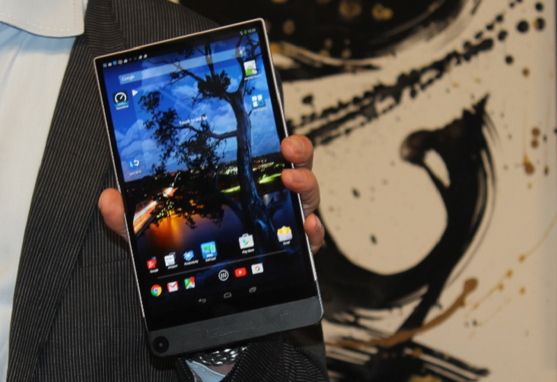 Dell Venue 8 7000 Series tablet at CES 2015.