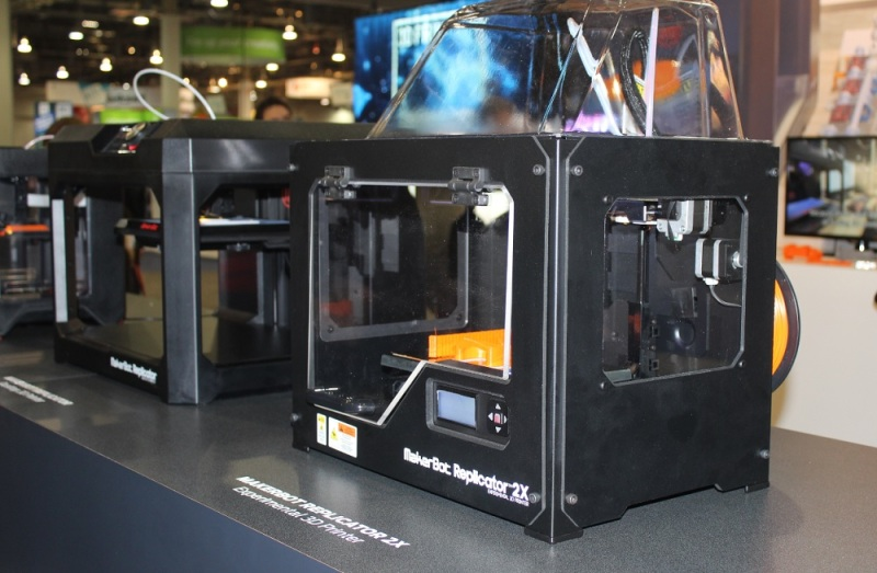MakerBot showed its faster Replicator 2X 3D printer at CES 2015.