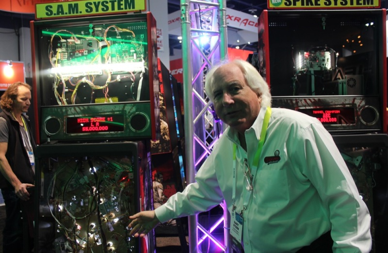 Gary Stern shows off older SAM system for pinball at CES 2015.
