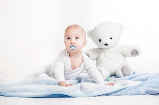 Teddy the Guardian measures your baby's heart rate and temperature.