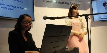 Toshiba's ChihiraAico robotic receptionist is a spooky singer