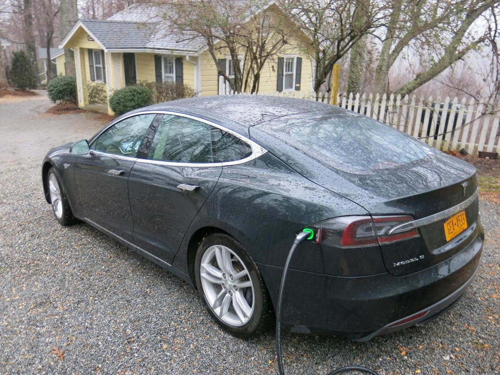 Tesla Model S battery life: How much does range decrease ...