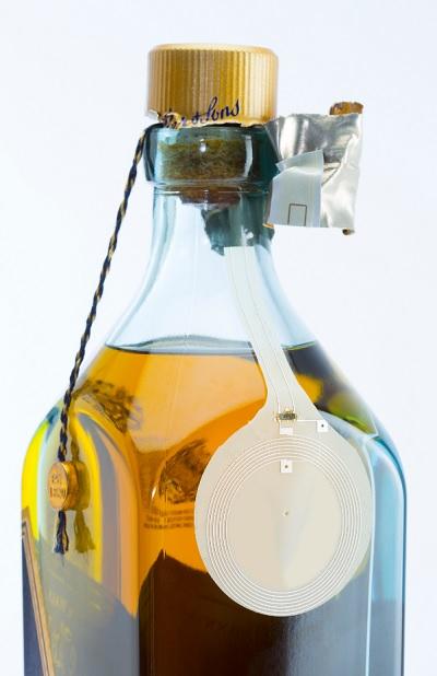 Smart label on Johnnie Walker Blue Label smart bottle.