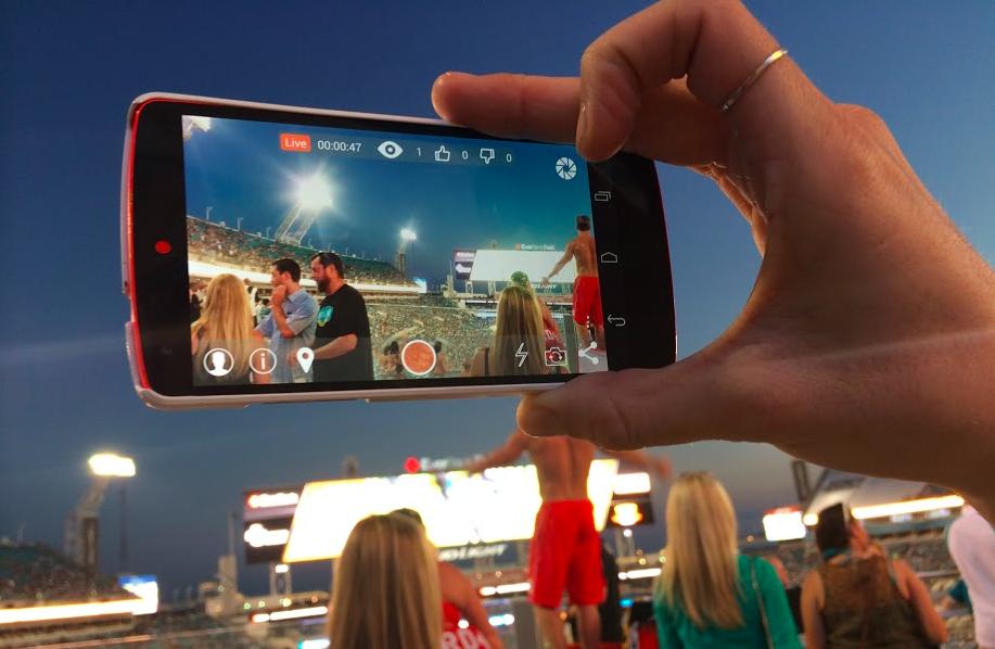Stre.am allows live mobile streaming across multiple social networks.