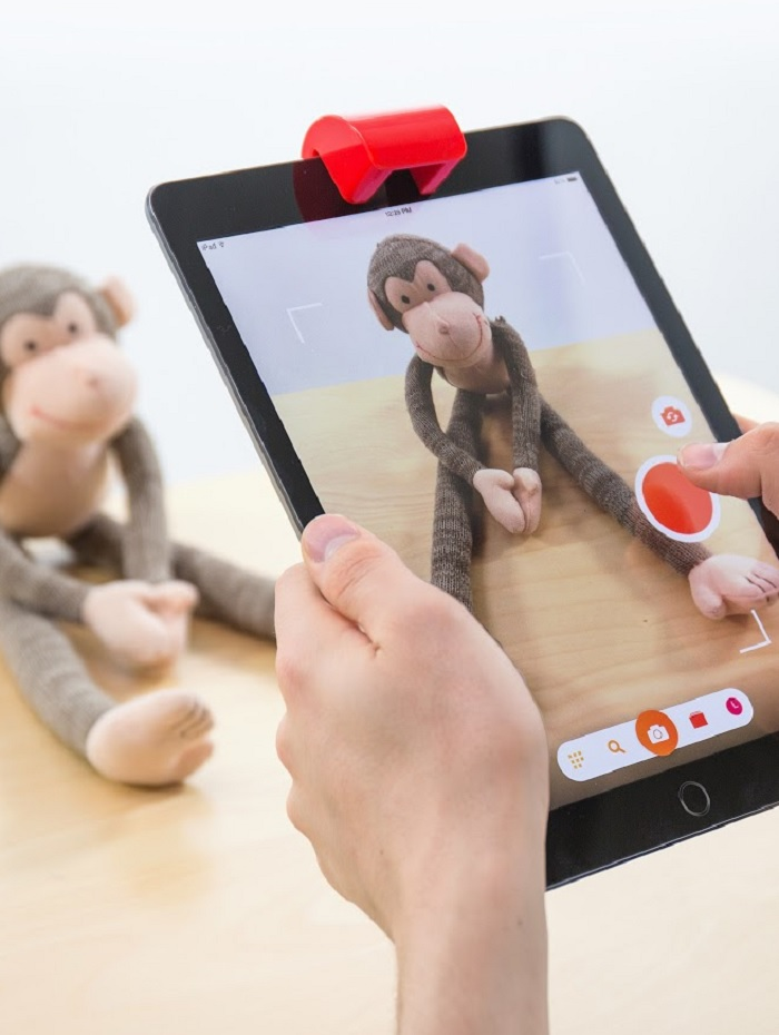 You can capture any image to draw with Osmo Masterpiece.