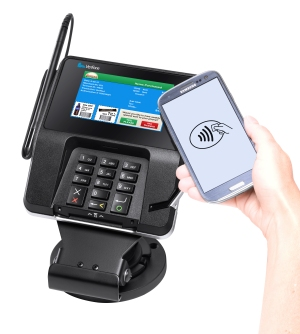 Verifone point-of-sale terminal that supports NFC-based mobile payments, loyalty programs (see the screen), and EMV cards.