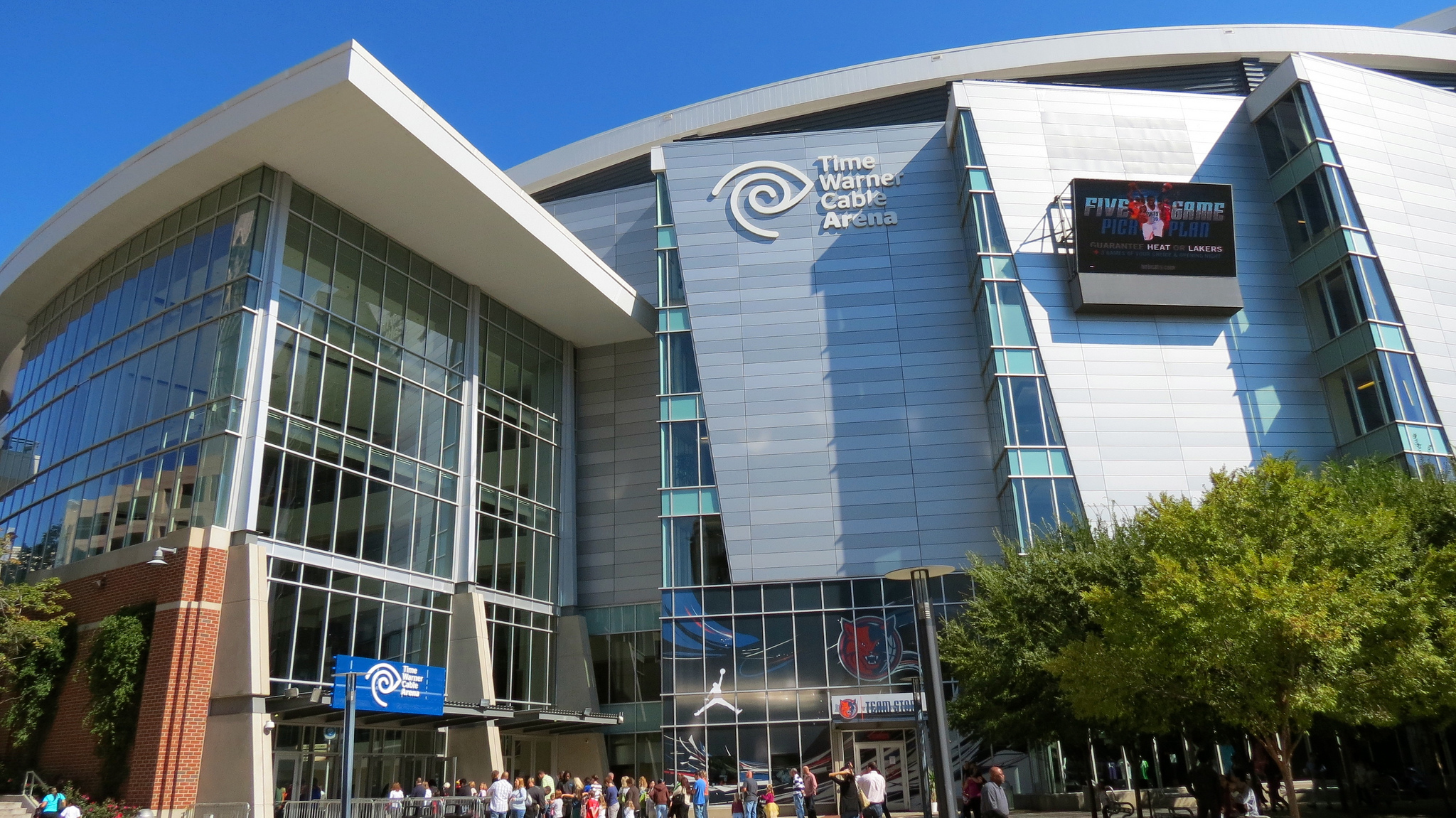 Time Warner Cable Advises 320,000 Customers Of Possible Hack