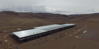 Drone flyover video shows that Tesla Gigafactory is really freaking huge
