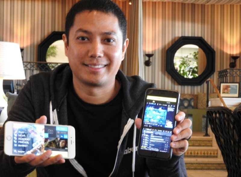 Mobcrush CEO Royce Disini shows off mobile-gameplay streaming.