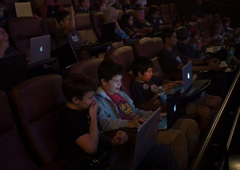 Super League Gaming lets kids play Minecraft in theaters.