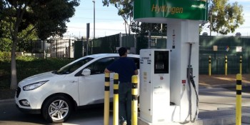 California fuel-cell car drivers say hydrogen fuel unavailable, stations don't work (updated)