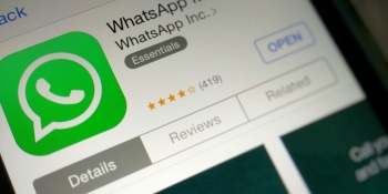 WhatsApp for iOS now lets you use Siri to send messages and make calls