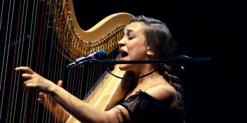 "Spotify reacts to Joanna Newsom's ""villainous cabal"" criticisms"