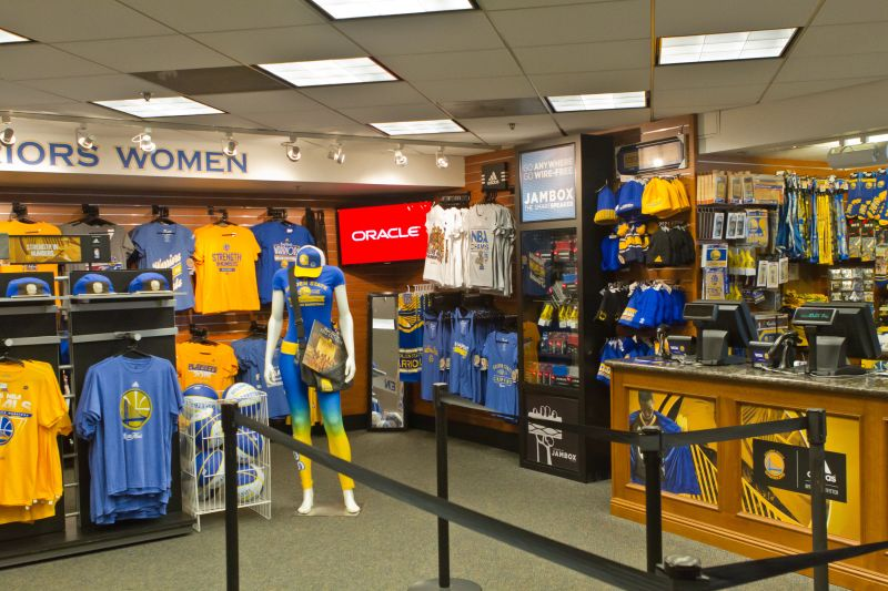 Golden State Warriors team store at Oracle Arena which accepts Apple Pay.
