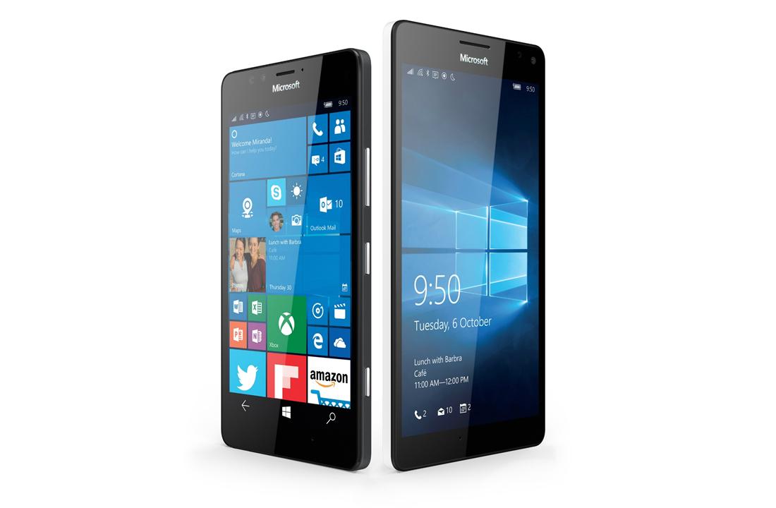 The Nokia Lumia 950 and 950 XL phones.