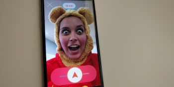 A selfie app with a time limit just got $100,000 from Tim Draper