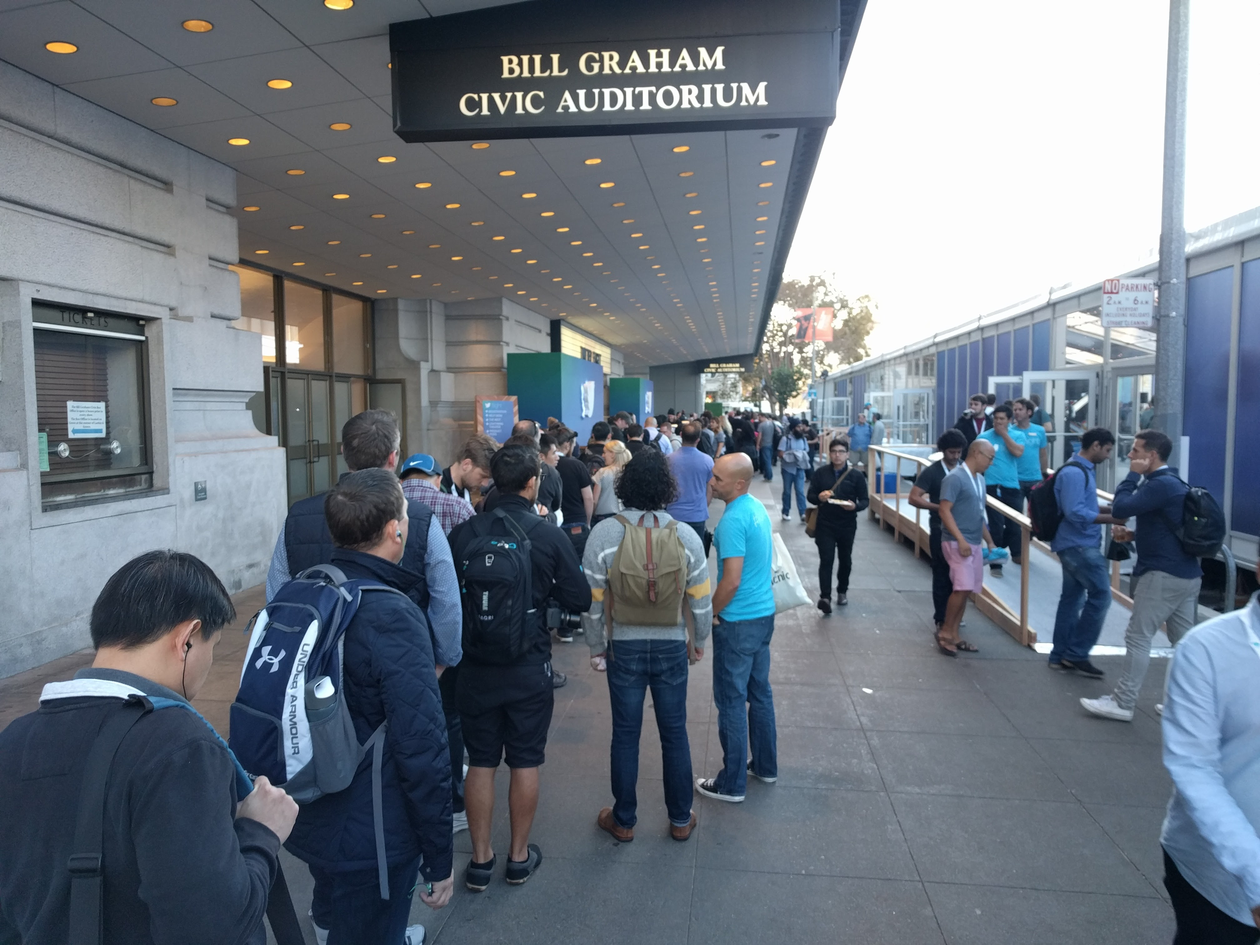 People line up for T-shirts at the Twitter Flight developer conference in San Francisco on Oct. 21.