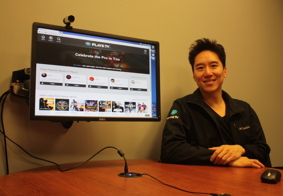 Fong showcasing Plays.tv to GamesBeat.