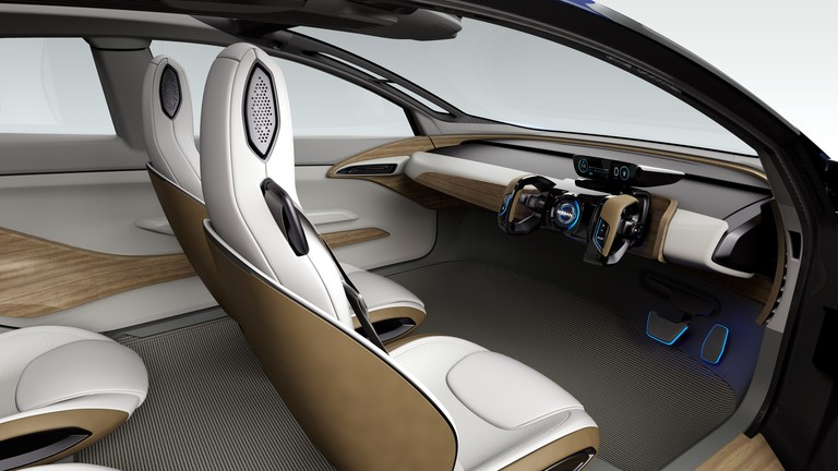 nissan-driverless-car-4