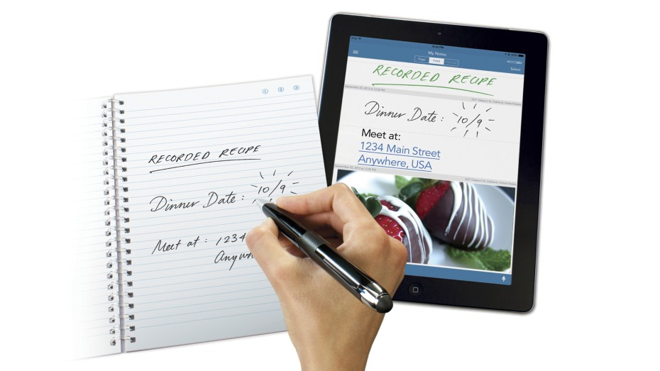 The Livescribe 3 smartpen in action