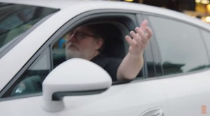 Gabe Newell appears in ChefStep's video.