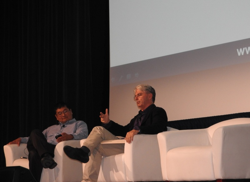 Dean Takahashi of GamesBeat and John Riccitiello of Unity at VRX event.