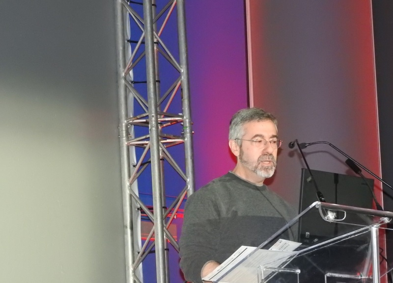 Warren Spector, creator of Deus Ex, wants players to solve their own puzzles and create their own stories in games.
