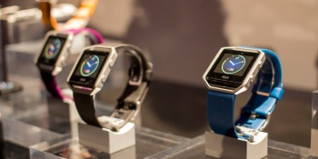 Fitbit unveils Blaze, its first wearable with a color screen, ships in March for $200