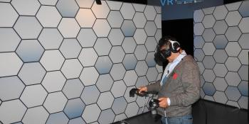 HTC sold 15,000 $800 Vive virtual reality headsets in 10 minutes