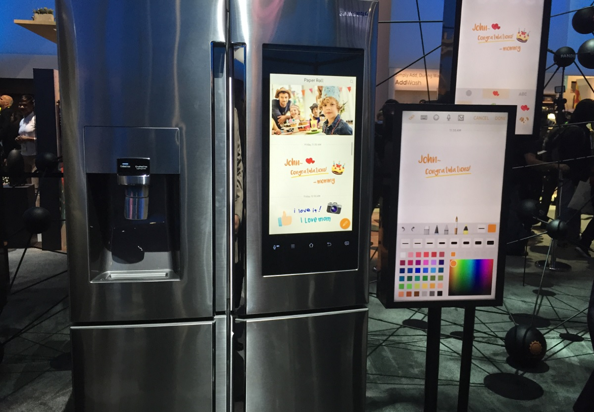 hands on demo of the samsung family hub refrigerator. Black Bedroom Furniture Sets. Home Design Ideas