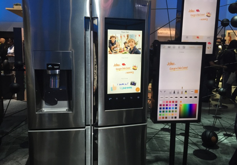 Samsung Family Smart refrigerator lets the whole family plan together.