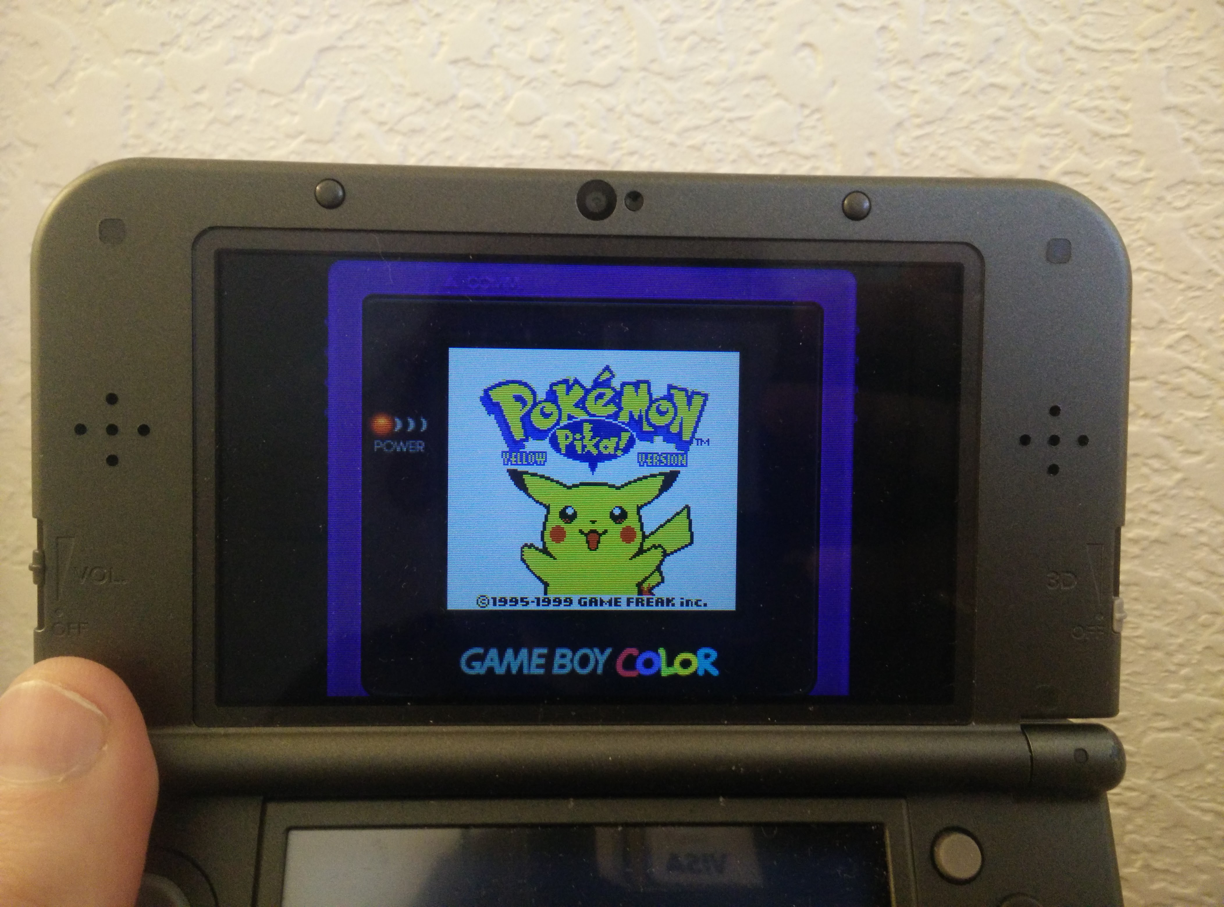 How to get Pokémon Red and Blue's pea soup coloring and a Game Boy