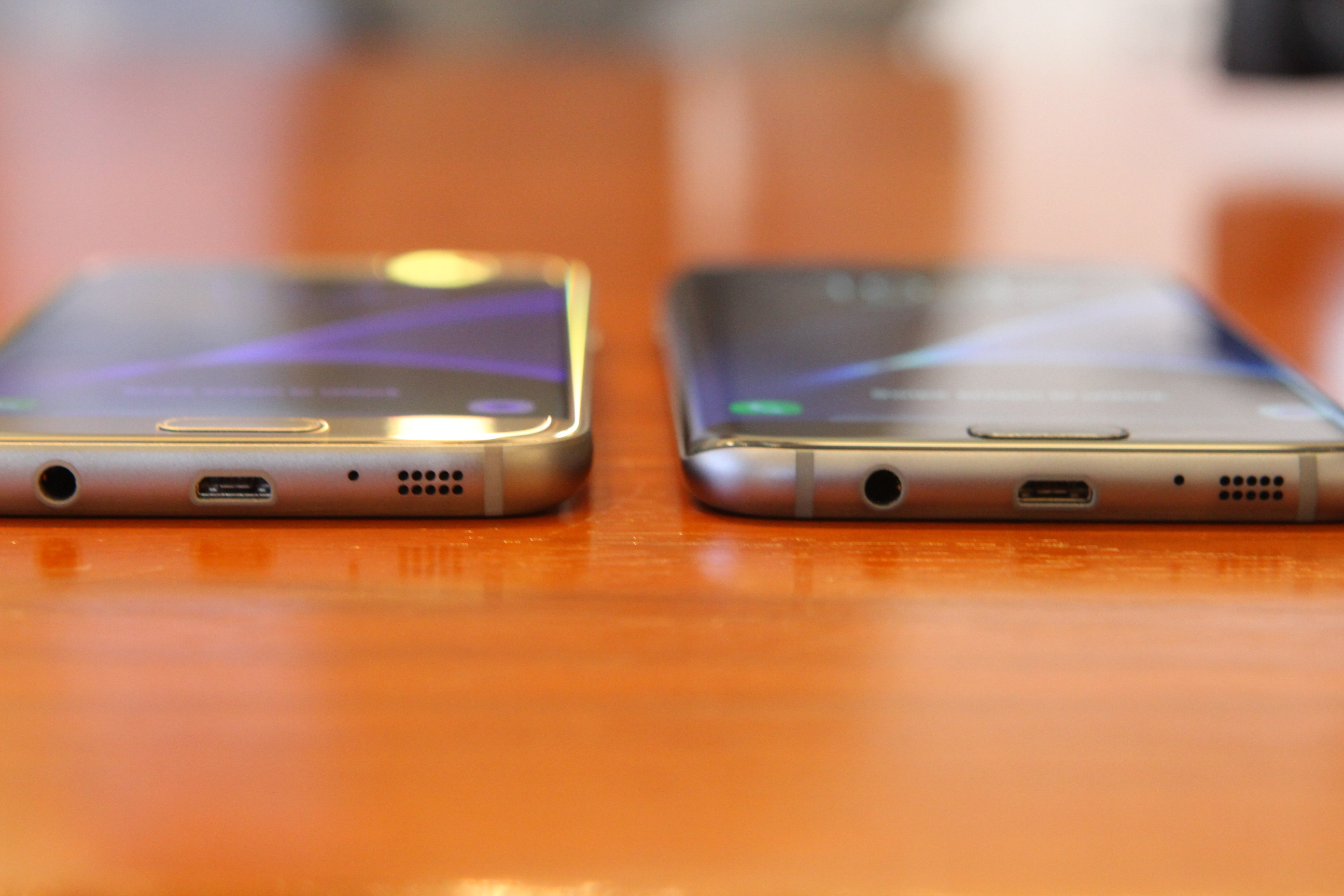 Image of Samsung's newest Galaxy S7 and S7 edge smartphones.
