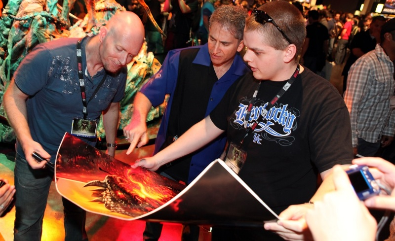 Frank Pearce (left) with fans at BlizzCon.