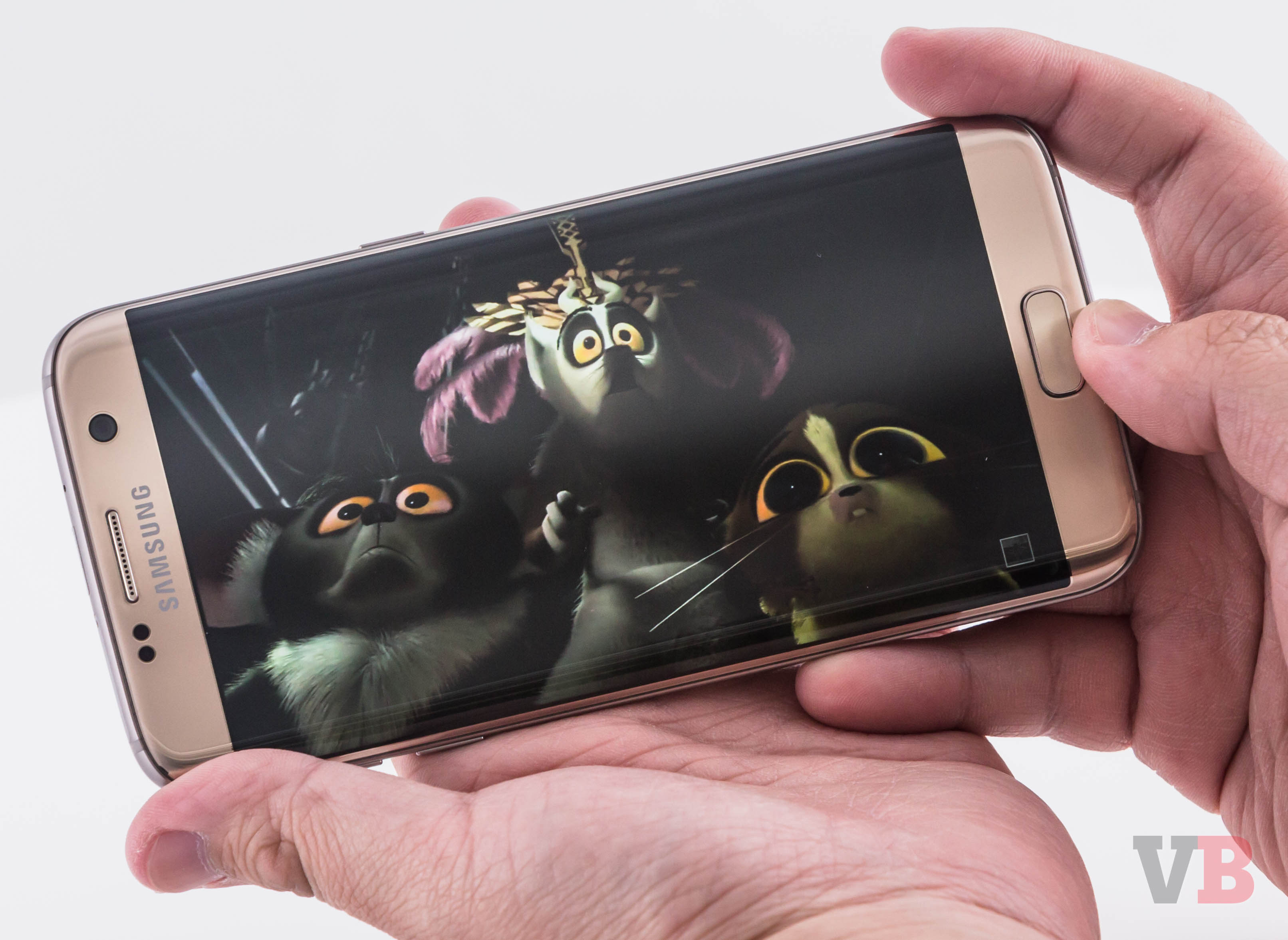 how to put movie on galaxy s7 edge
