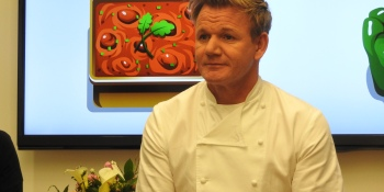 Gordon Ramsay brings cursing and insults to his celebrity chef mobile game