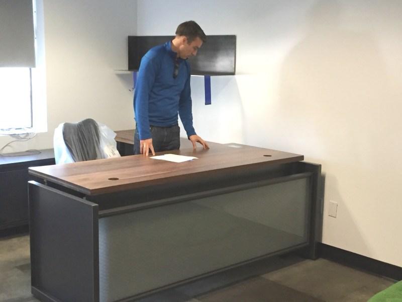 Stir Kinetic Desk Base L1