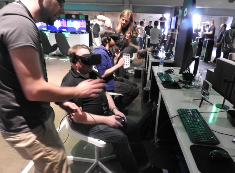 The press tries out Minecraft on the Oculus Rift.