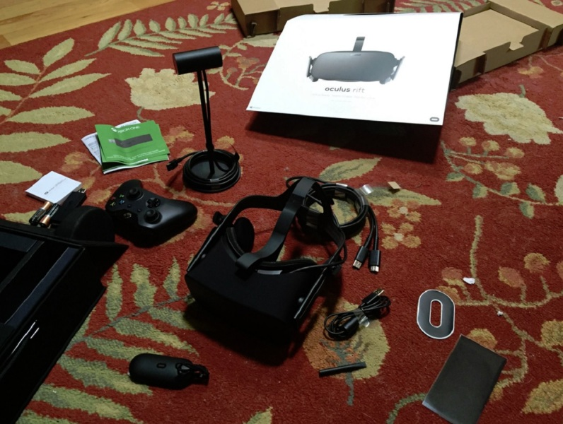The Oculus Rift VR headset comes with all of these items.