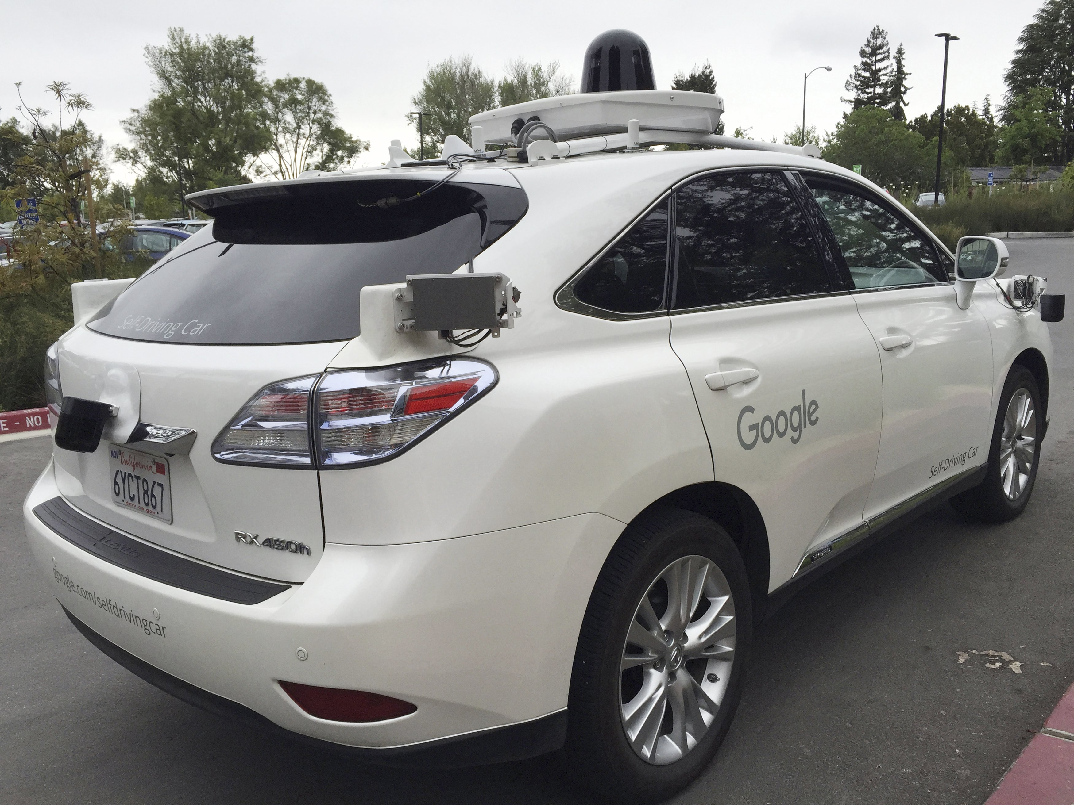 A Lexus version of a Google Self Driving car is shown in Moutain View, California, U.S., April 8, 2016. REUTERS/Alexandria Sage