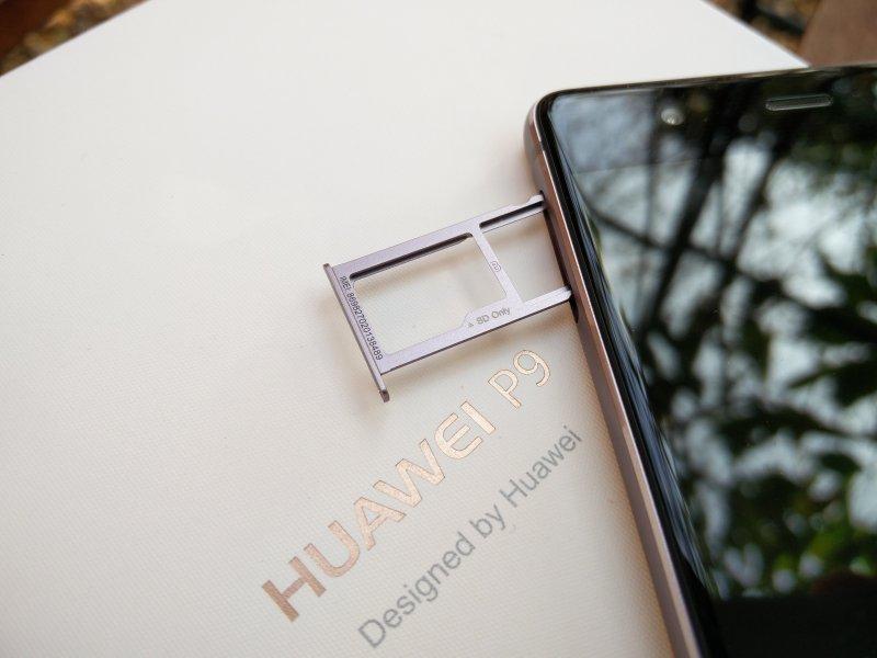 Huawei P9: SIM & SD Slot