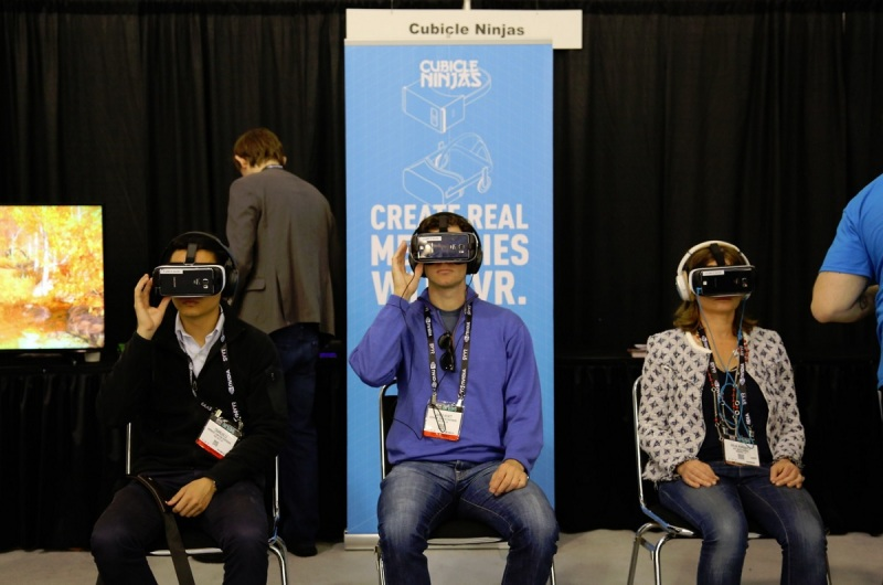 Samsung Gear VR users at SVVR Expo.