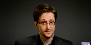 Russia reportedly wants to extradite Snowden as a 'gift' to Trump