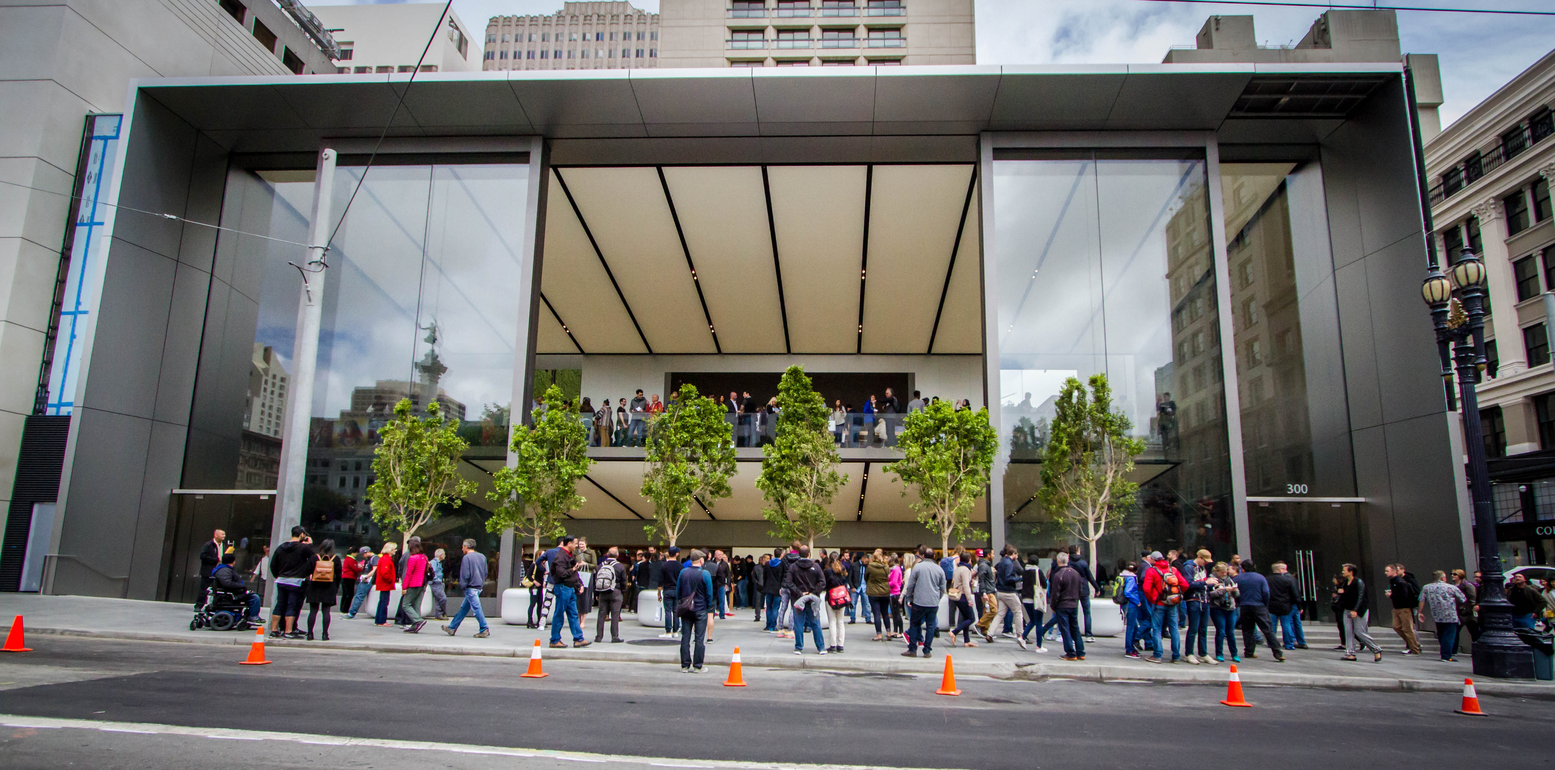Apple's new flagship store opened to the public on May 21, 2016 in downtown San Francisco, Calif.